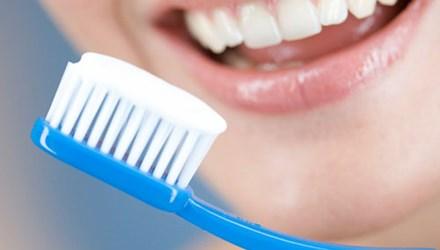 Sử dụng kem đánh răng như thế nào?