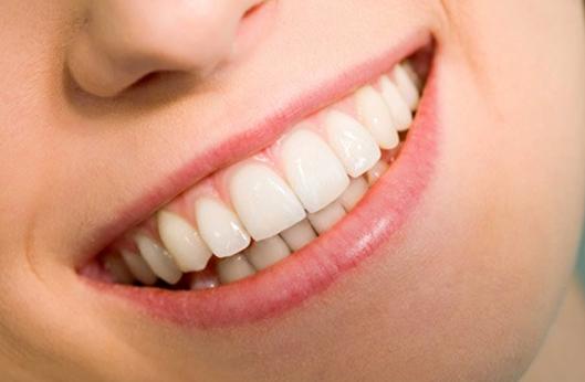 nhakhoaphuonganh, nha khoa,chỉnh anh, niêng răng, tẩy trắng răng,làm răng giả,điều trị tủy, nhổ răng, nho rang, lấy cao răng, lay
